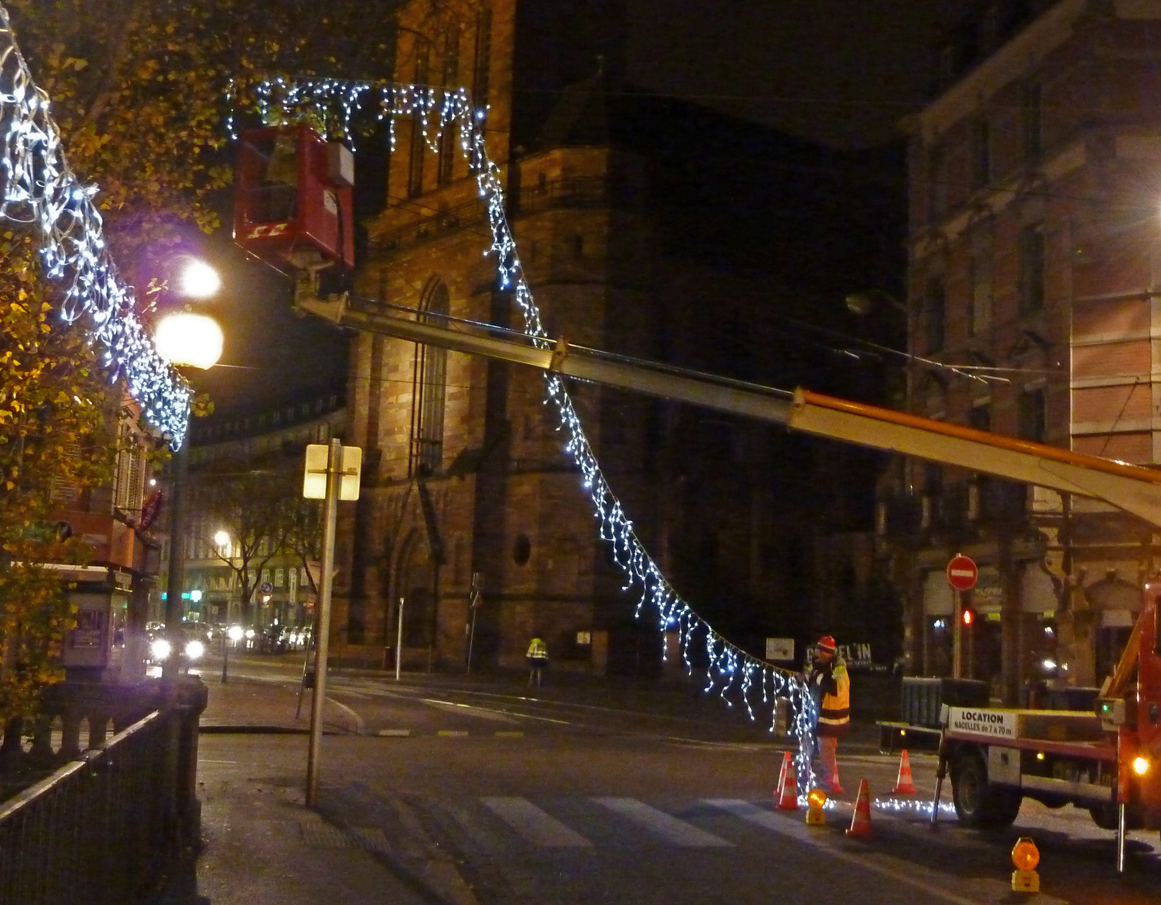 Putting Up Lights Strasbourg